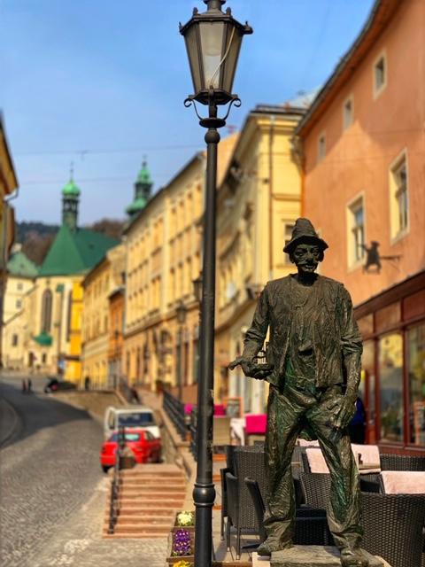 nacko-banska-stiavnica-banik-vtipkar-mesto-socha