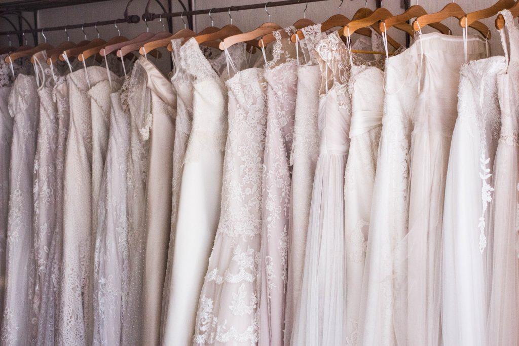 svadobne-saty-zbierka-nevesta-svadba-vesiaky-cipky