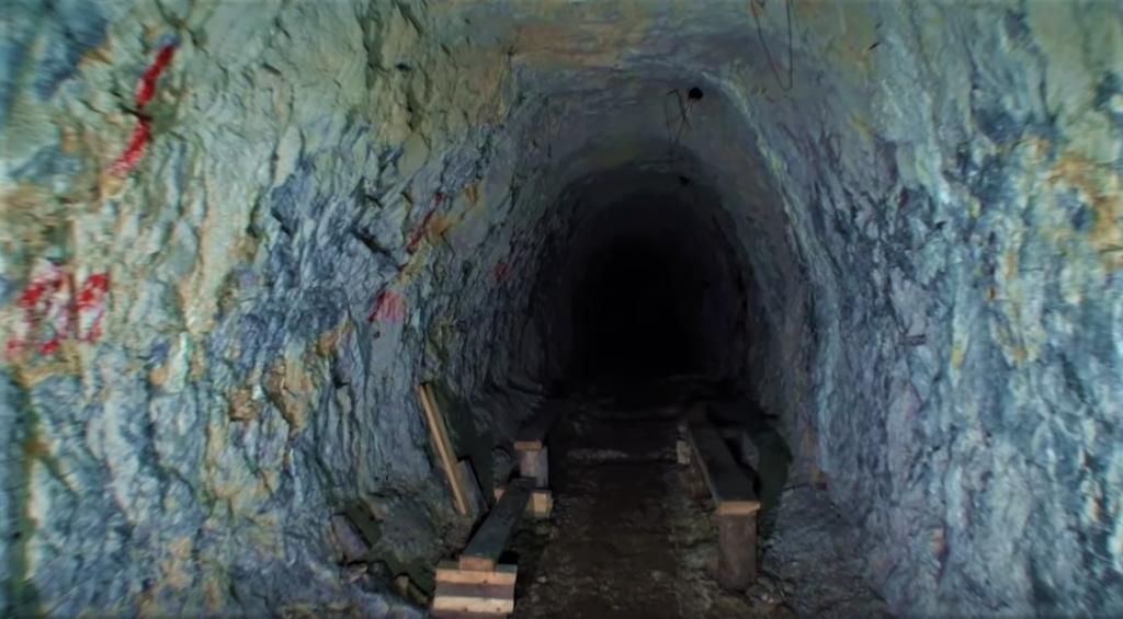 iontovy-tunel-pyramida-banictvo-lavicky