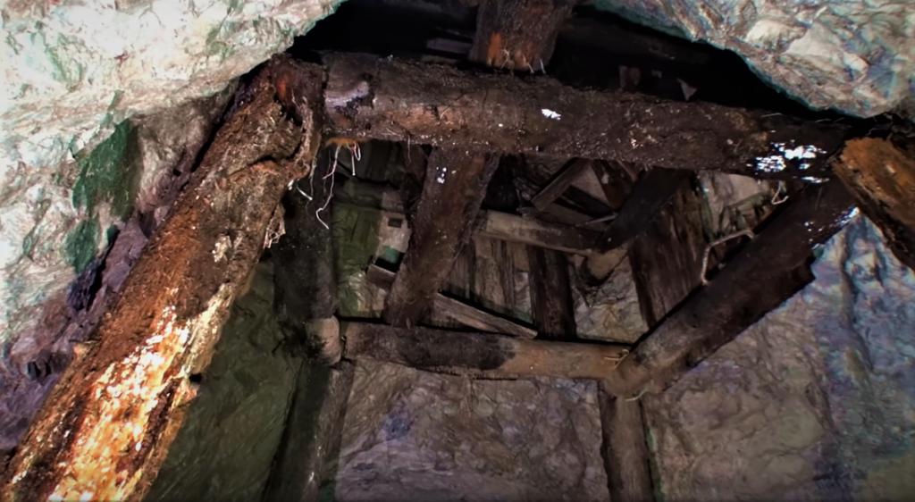 banicky-prieskumnicky-tunel-markusovce-drevene-tramy-opora