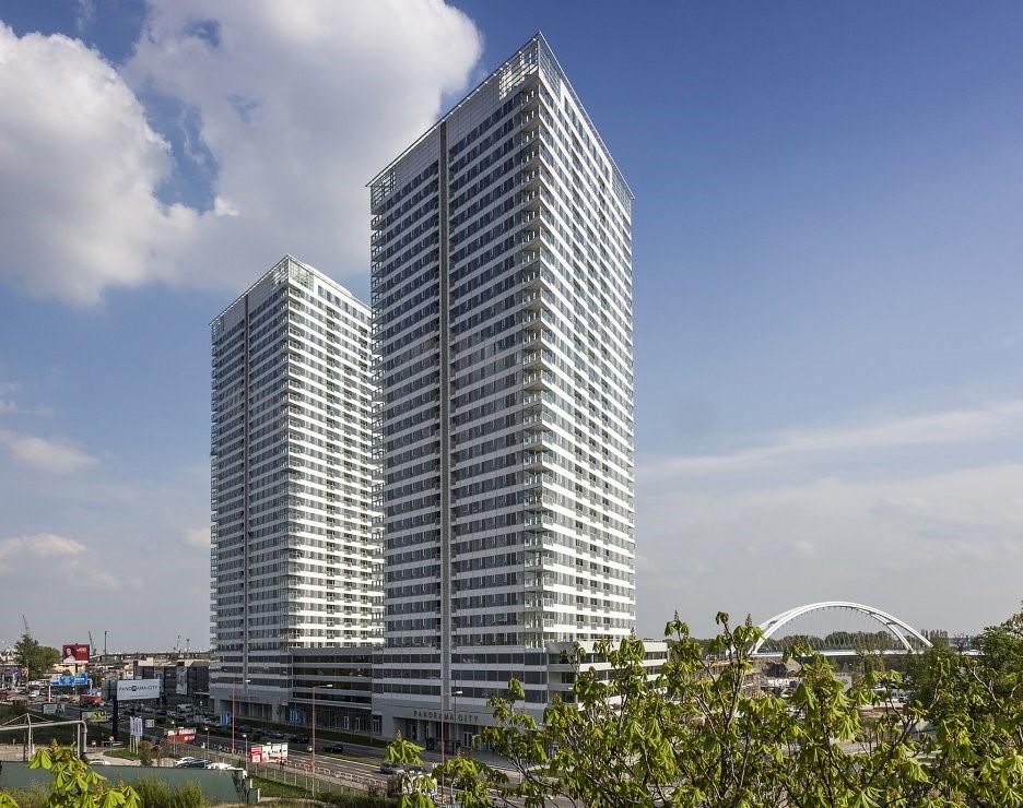 panorama-city-bratislava-veze-budovy-hlavne-mesto