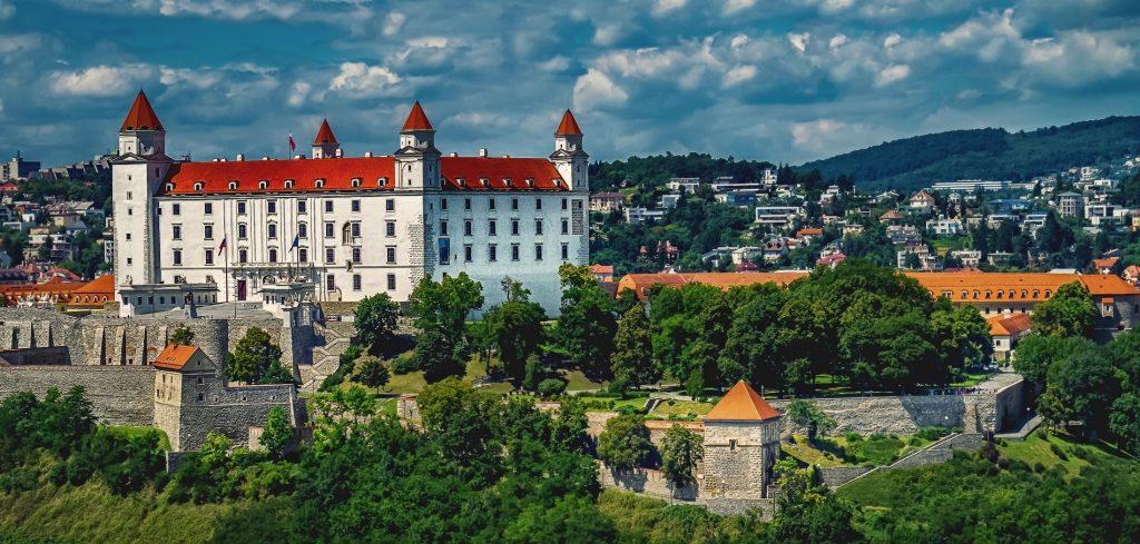 bratislavsky-hrad-bratislava-historicka-cast-hlavne-mesto