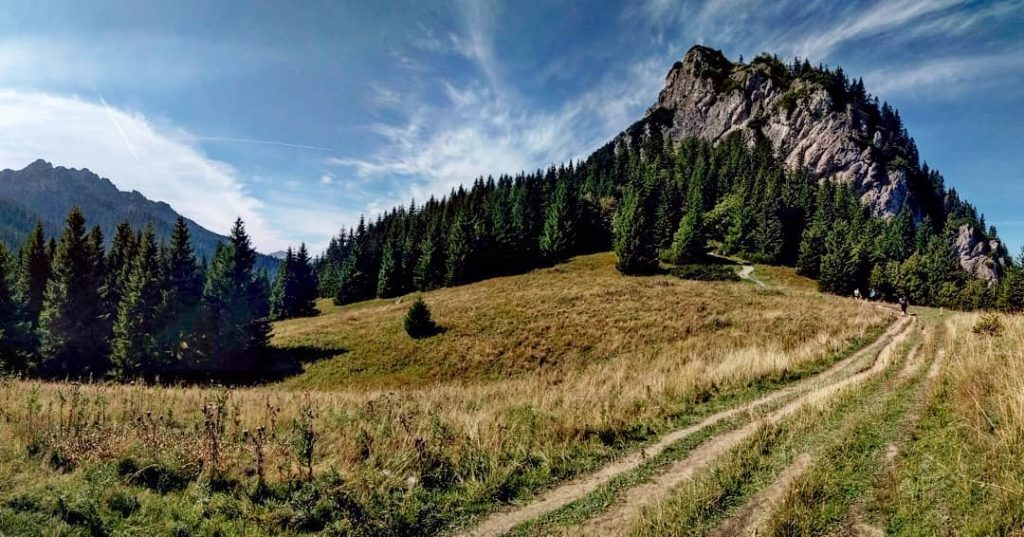 maly-rozsutec-janosikove-diery-mala-fatra-turistika-skaly