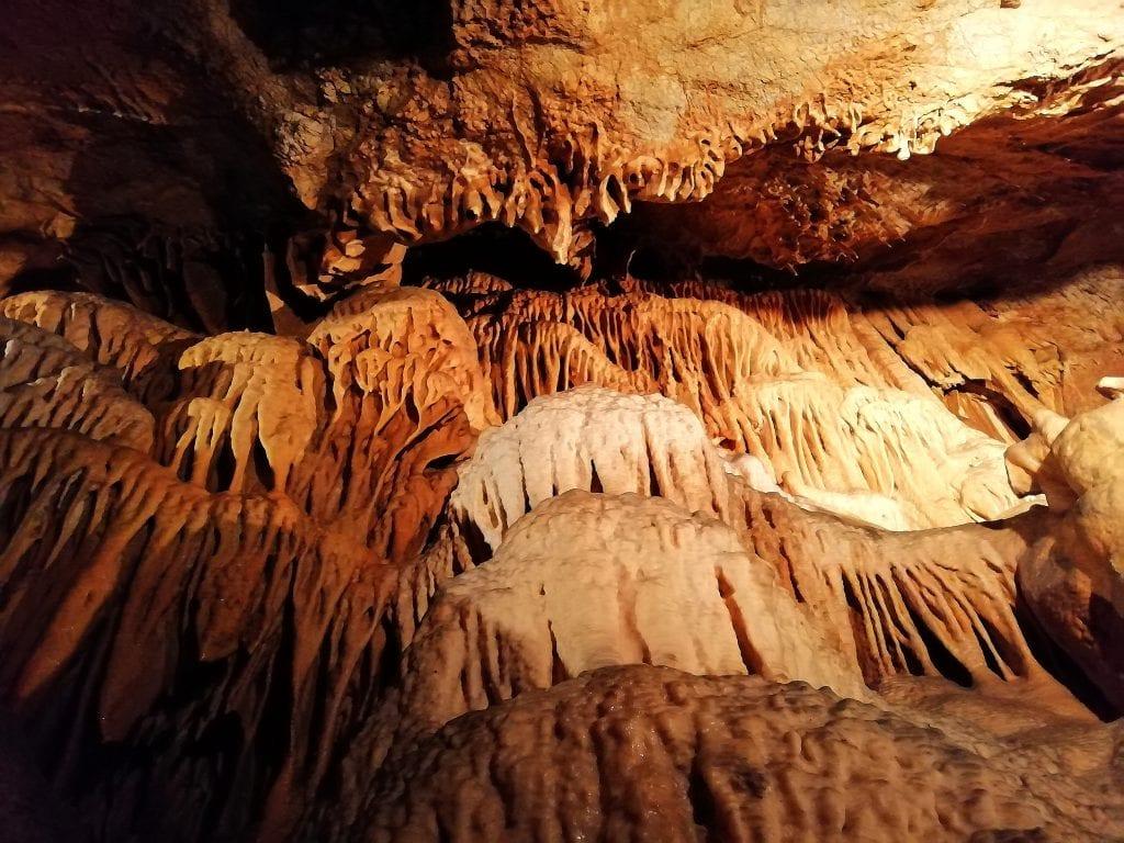 jaskyna-driny-krasova-vyzdoba-horniny-podzemie