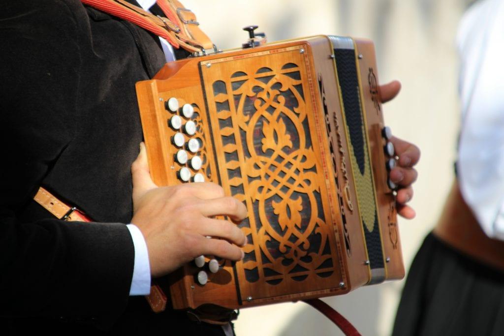 heligonka-hudba-hudobny-nastroj-muz-ludova-hudba