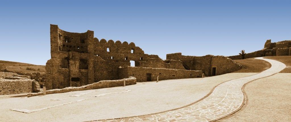 areal-hrad-devin-zrucanina-palac-obloha