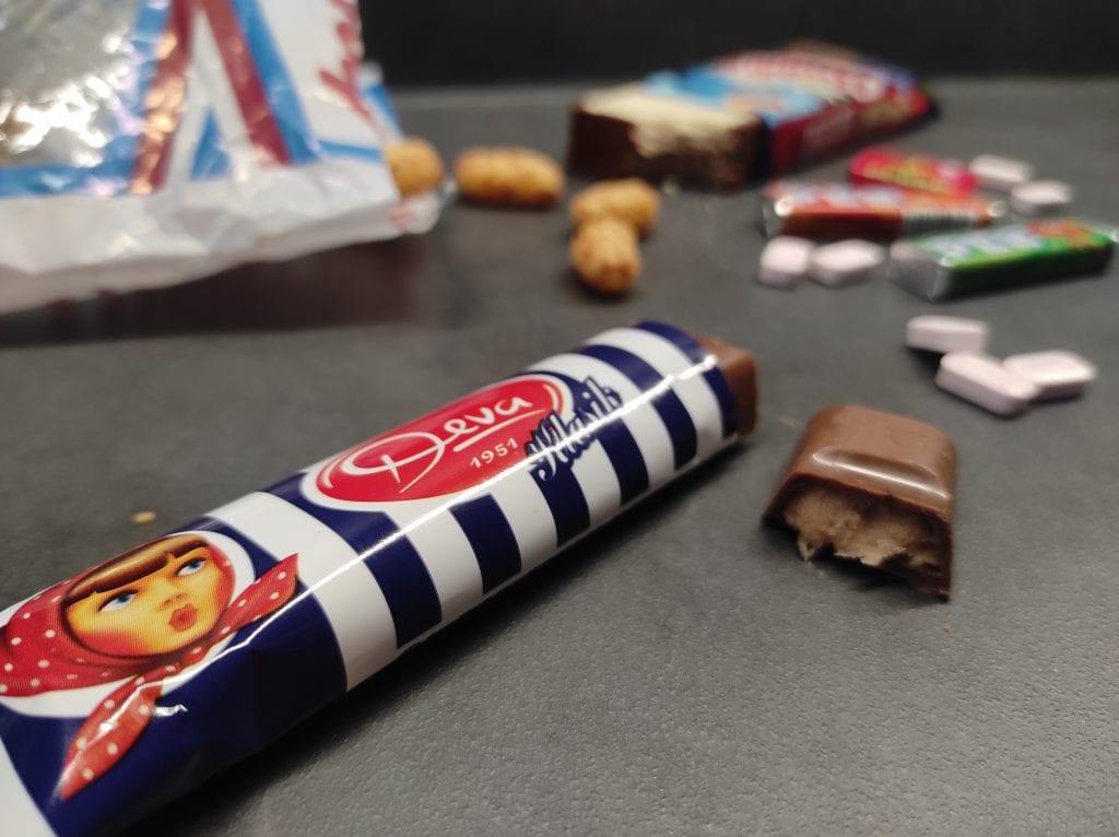 deva-cokoladova-tycinka-retro-obal-sladkosti