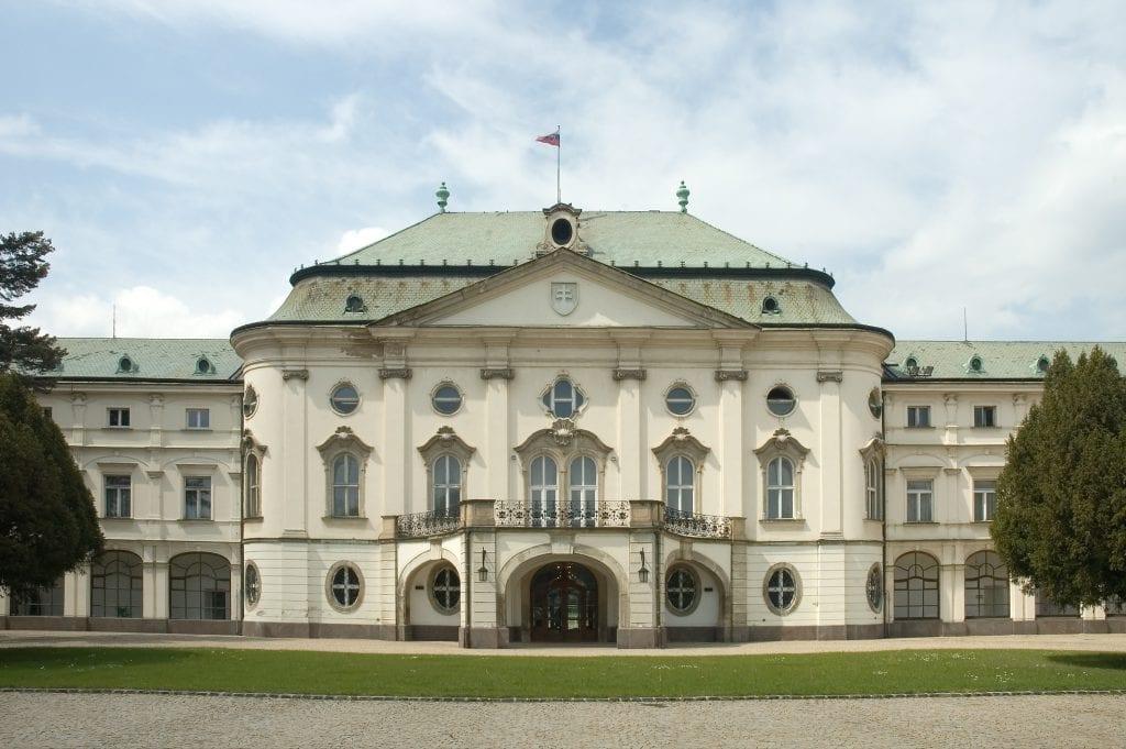 milan-rastislav-stefanik-palac-vlada-bratislava