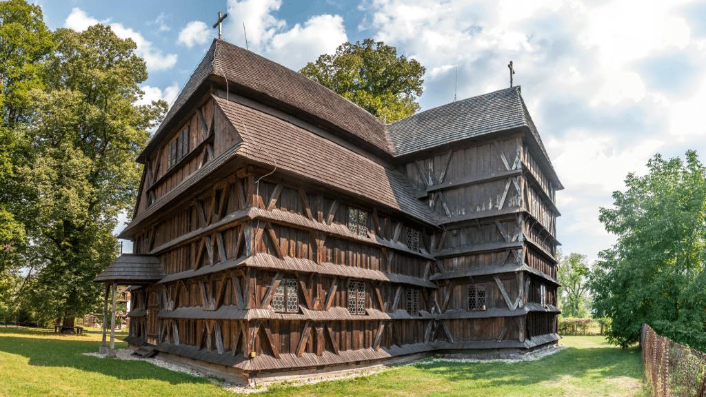 dreveny-artikularny-evanjelicky-kostol-hronsek-unesco