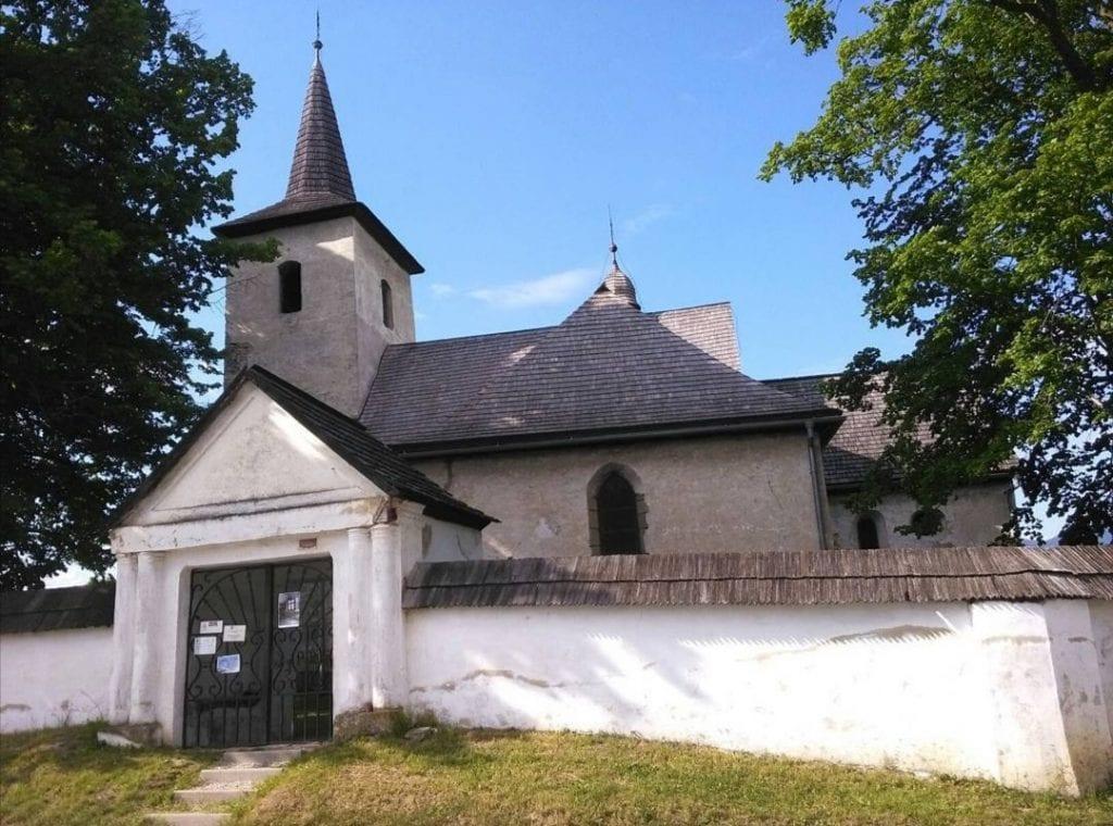 kostolik-ludrova-oplotenie-kaplnka-pamiatka-architektura