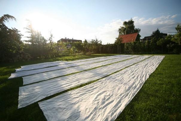 susenie-platna-latka-zahrada-trava-modrotlac-trnka-vyroba-dielna